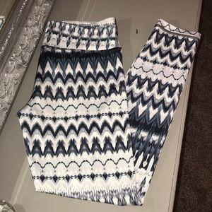 Black and white printed leggings